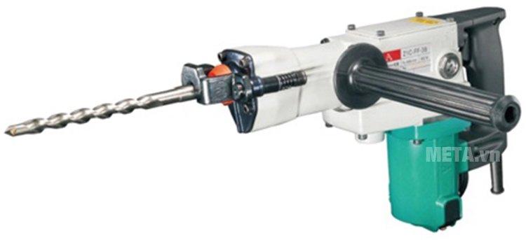 Máy khoan bê tông 800W DCA AZC38 (Z1C-FF-38) an toàn khi sử dụng.