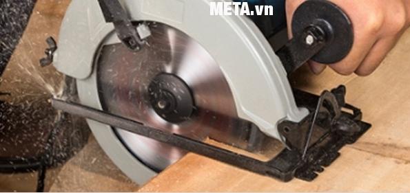 Máy cưa đĩa 1100W DCA AMY02-185 (M1Y-FF02-185) cho đường cắt đẹp mắt và chính xác.
