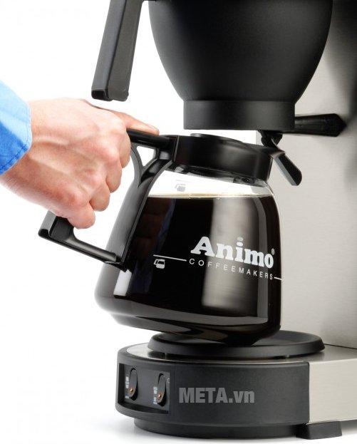 Máy pha cà phê Animo Excelso dễ sử dụng