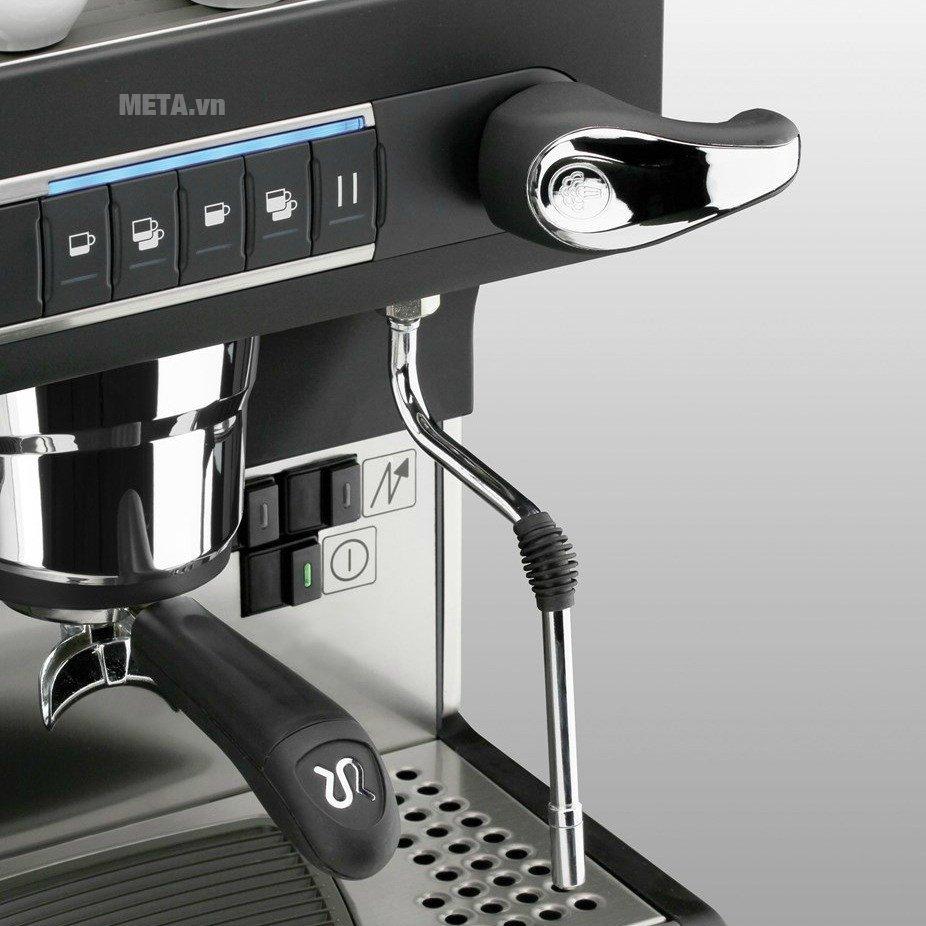 Máy pha cà phê Rancilio Classe 9 USB - 2 Groups với các nút bấm thiết kế đơn giản