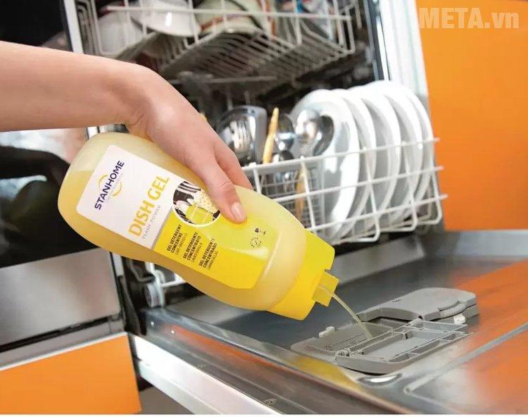 Gel rửa bát đậm đặc 6 trong 1 Stanhome 720ml lưu lại hương thơm dễ chịu trên bát đĩa