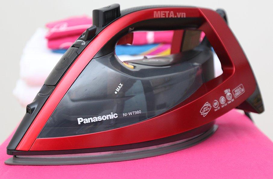 Hình ảnh bàn là hơi nước Panasonic NI-WT980RRA