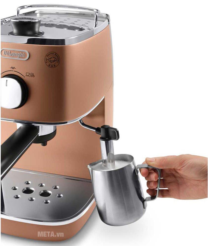 Máy pha cà phê Delonghi Distina ECI 341.CP dễ sử dụng