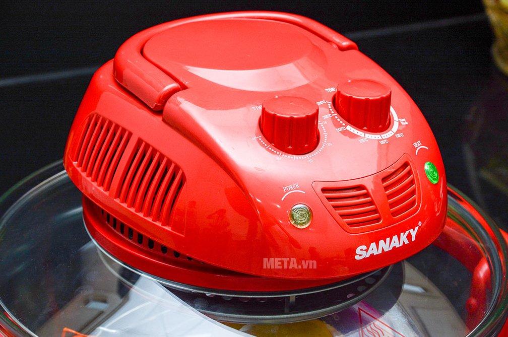 Lò nướng thủy tinh Sanaky VH 158T/D dễ sử dụng với núm vặn