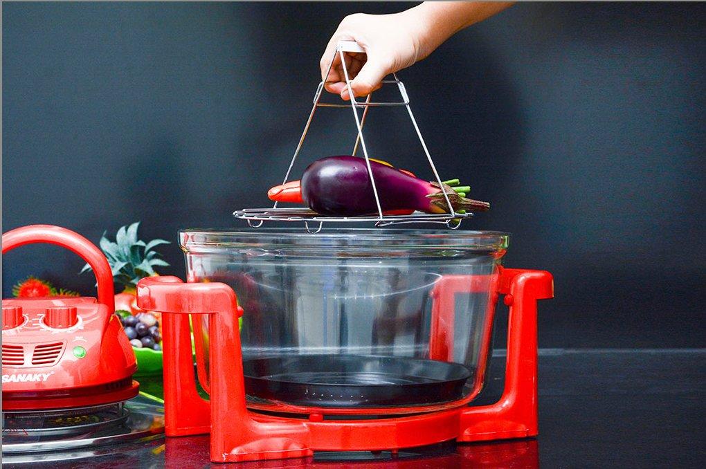 Lò nướng thủy tinh Sanaky VH 158T/D giúp thực phẩm chín đều