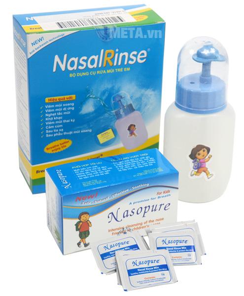 Bình rửa mũi cho bé Nasal Rinse an toàn và dễ sử dụng.