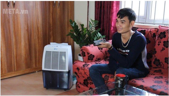 Máy hút ẩm dân dụng FujiE HM-620EB giúp bạn thư giãn thoải mái