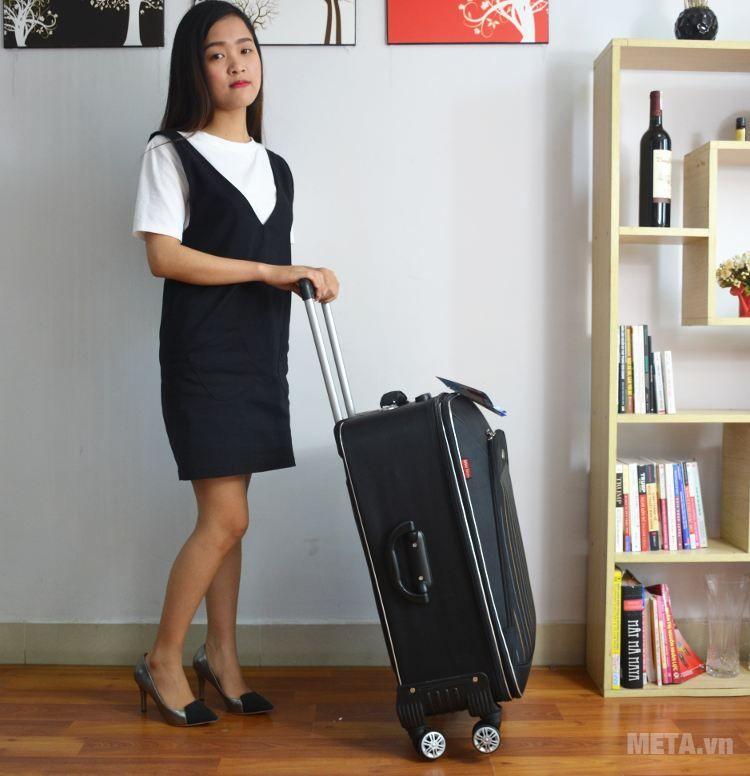 Vali 4 bánh xoay VLX011 20 inch dùng đựng hành lý xách tay