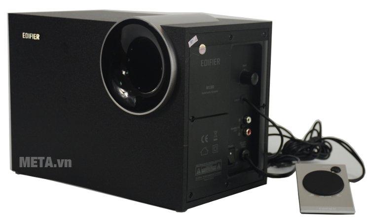 Edifier M1380 thiết kế nguồn điện và các cổng kết nối ở hông loa Sub