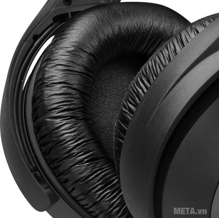 Tai nghe Sennheiser HDR165 có đệm tai dày, êm ái