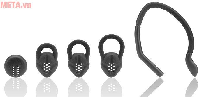 Phụ kiện đi kèm là ear-hook để móc vào tai, earbuds các kích cỡ...