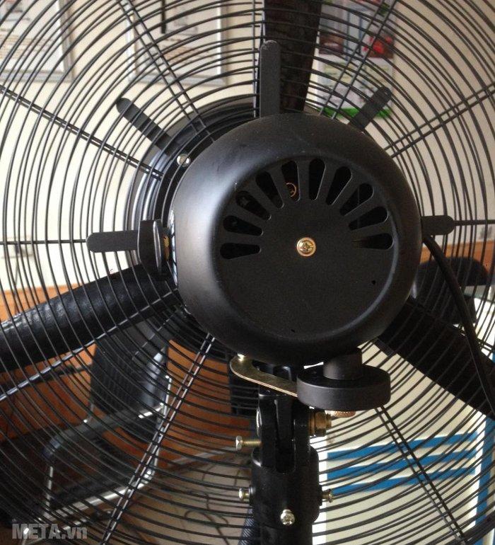 Quạt phun sương công nghiệp Mitsuta DB-26CF03 thiết kế nhiều khe tản nhiệt phía sau động cơ