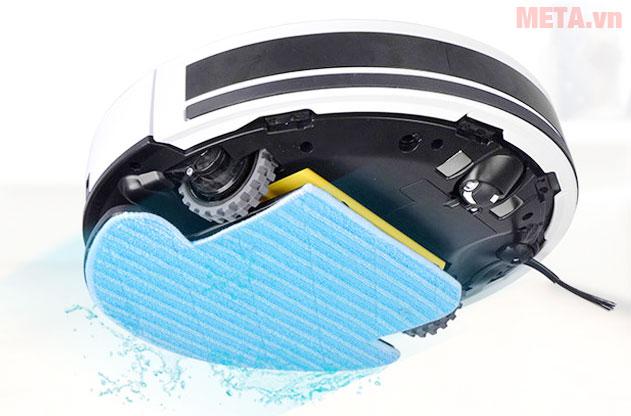 Tấm lau nhà kết hợp với nước trong robot để làm sạch bụi