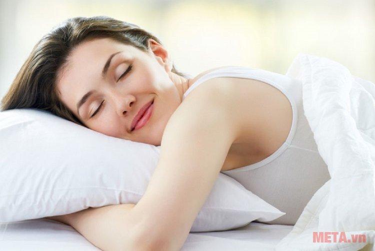 Quạt đứng A30A đem lạ giấc ngủ êm ái cho cả gia đình