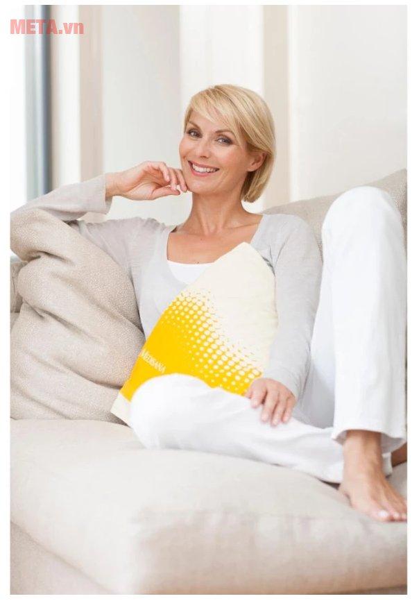 Tấm chườm sưởi ấm Medisana HP605 giúp trị các cơn đau