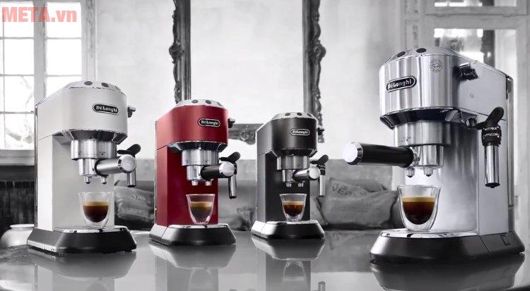Máy pha cà phê Delonghi EC680 có 3 màu: đỏ, đen, bạc