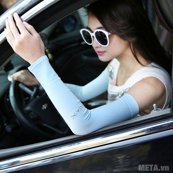 Găng tay chống nắng Aqua X có thể dùng khi lái xe ô tô