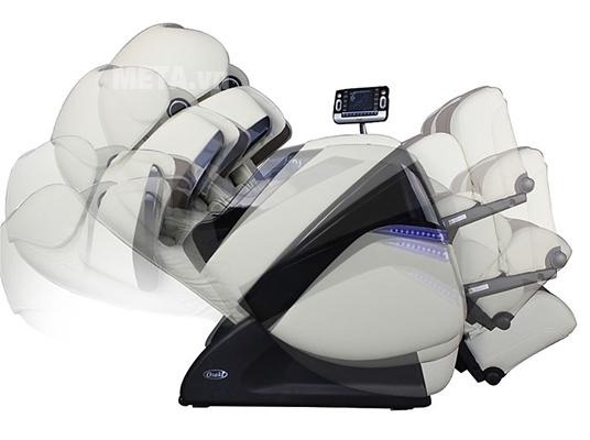 Ghế TC 711 linh hoạt và bạn có thể vừa thư giãn vừa điều khiển các chức năng trên màn hình