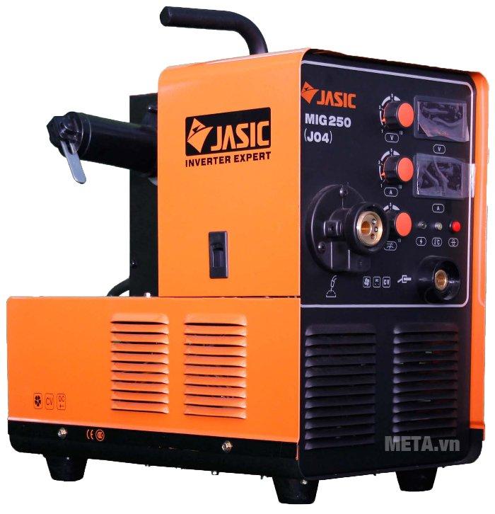 Máy hàn bán tự động Jasic MIG 250 (J04) với dòng hàn ra ổn định nên đường hàn đẹp và ít bắn tóe.