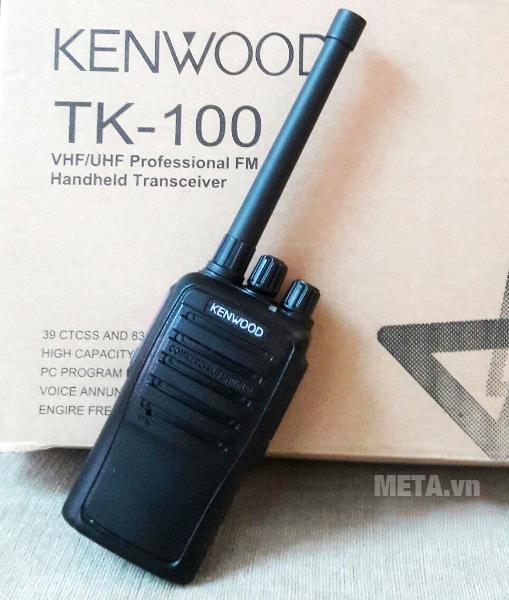 Bộ đàm Kenwood TK 100 kết nối trong phạm vi 2km - 4km