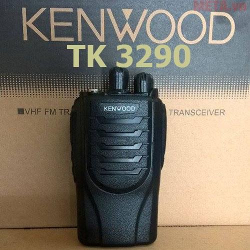 Bộ đàm Kenwood TK 3290 nhỏ gọn, dễ dàng khi cầm nắm sử dụng