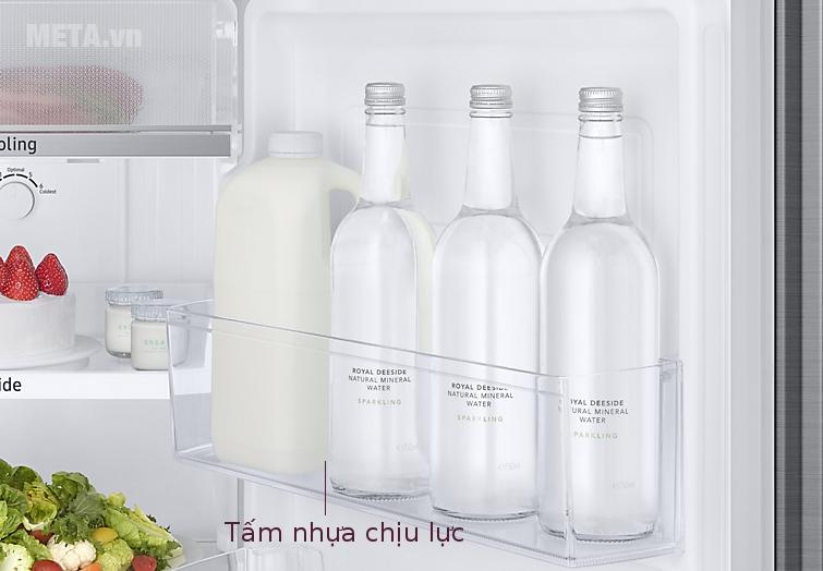 Tủ lạnh Samsung Digital Inverter 236L RT22M4033S8/SV giúp gia đình đựng được nhiều thực phẩm hơn