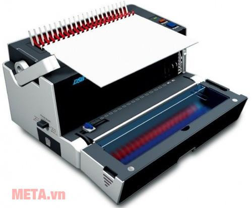 Dao đóng của máy được làm từ thép bền bỉ