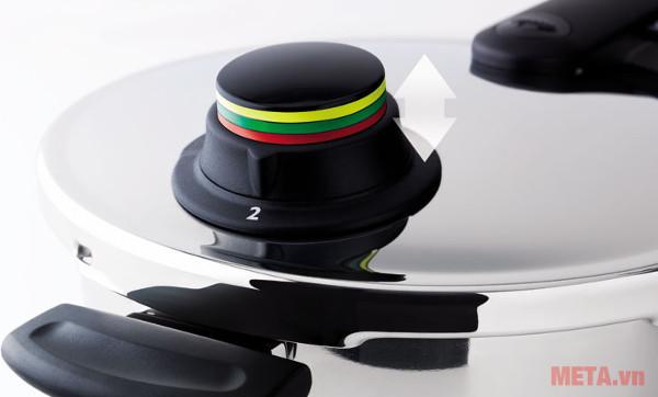 Đèn báo hiển thị mức nhiệt độ bạn dễ dàng kiểm soát nhiệt độ quá trình nấu