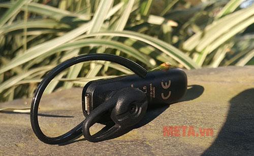 Tai nghe bluetooth Plantronics ML15 gọn nhẹ , dễ sử dụng