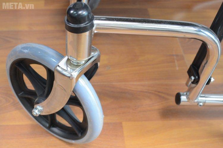 Xe lăn đa năng Lucass X7 (~X7A) có bánh trước xoay 360 độ