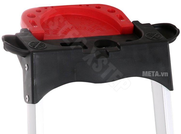 Thang nhôm ghế Xstep XL-06 có khay đựng dụng cụ sửa chữa