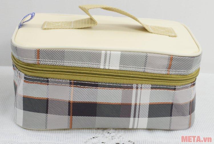 Hộp cơm hâm nóng Komasu KT48T thiết kế túi đựng xinh xắn.