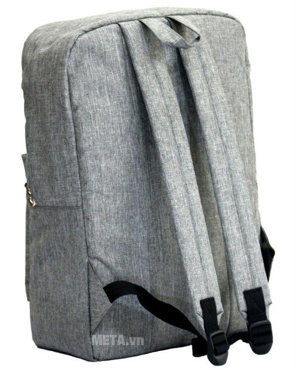 Balo teen B-23-004 có trọng lượng nhẹ 680g, đeo vai rất thoải mái