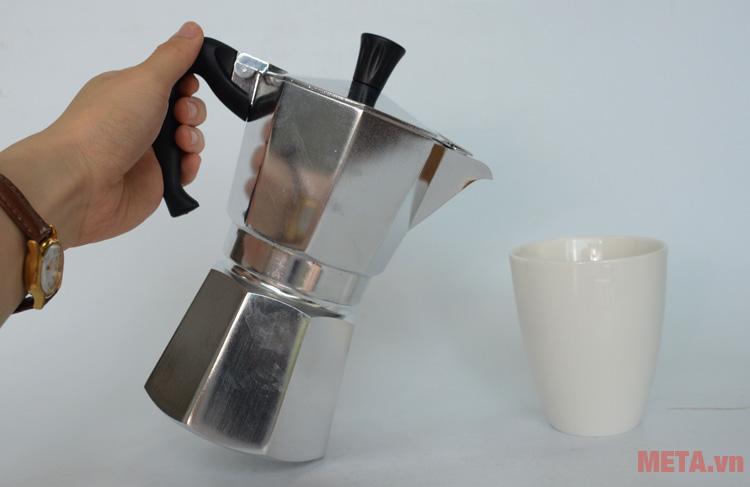 Ấm pha cà phê Bialetti Moka Express 6TZ BCM-1163 có tay cầm tiện lợi