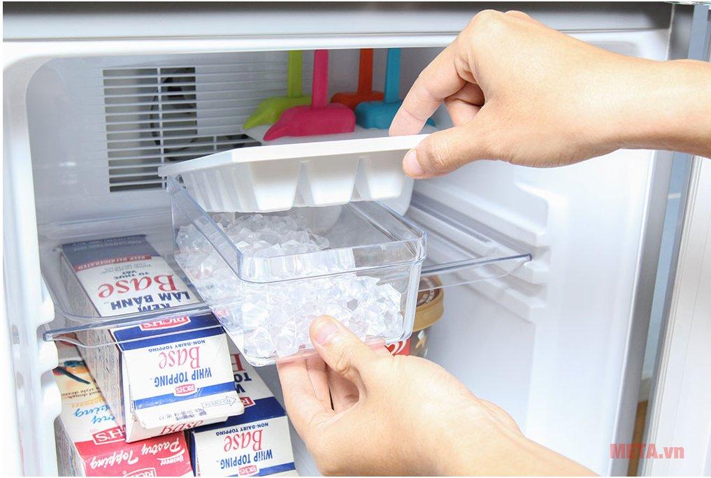 Tủ lạnh Aqua AQR-145BN SS giúp làm lạnh nhanh