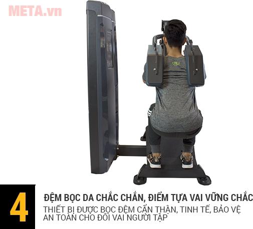 Tấm tựa lưng được đệm êm ái, bảo vệ an toàn cho người tập