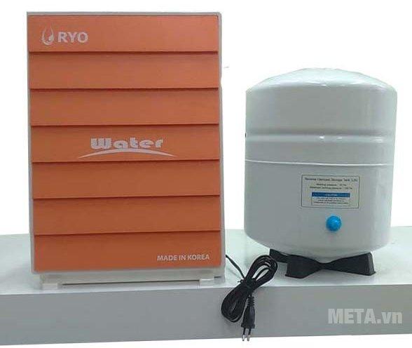 Máy lọc nước RYO Hyundai RP903 có hệ thống lọc 5 cấp bao gồm lõi lọc phụ TCR, vòi nước dạng cổ ngỗng