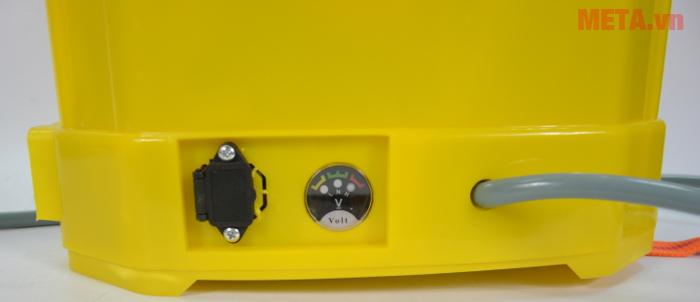 Bình xịt điện KCT 16D có dung tích 16 lít.