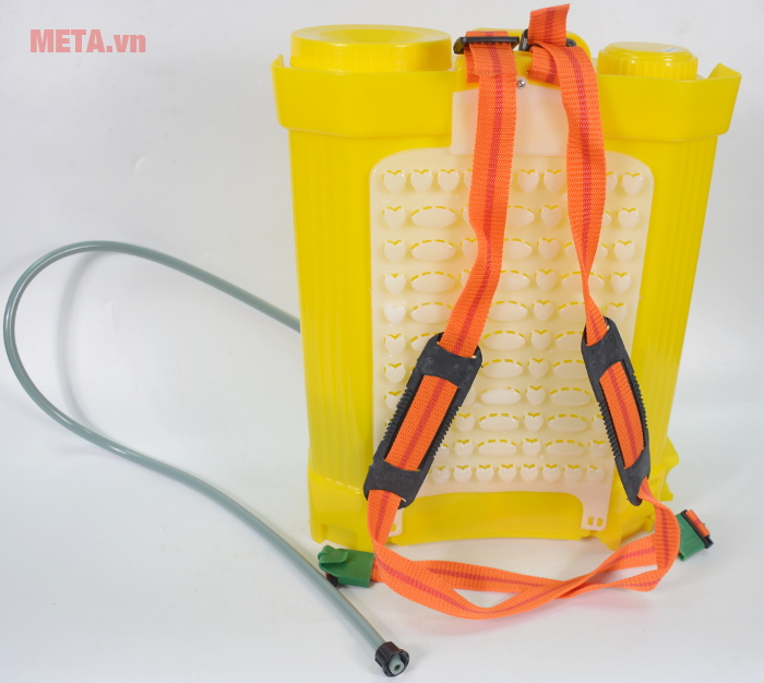 Bình xịt điện KCT 16D có dây đeo có thể điều chỉnh độ dài phù hợp với người đeo
