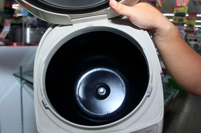 Nồi cơm điện tử cao tần Tiger JKW-A18W 1.8 lít phù hợp cho gia đình 4 - 6 người
