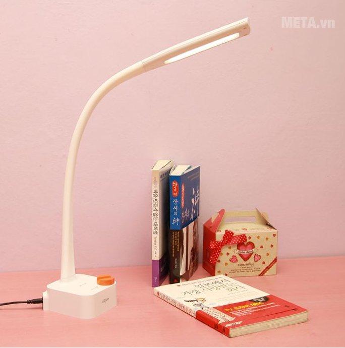 Đèn bàn Led Hàn Quốc Prism 1555W thiết kế hiện đại