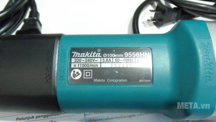 Máy mài góc Makita 9556HN in thông số trên thân máy