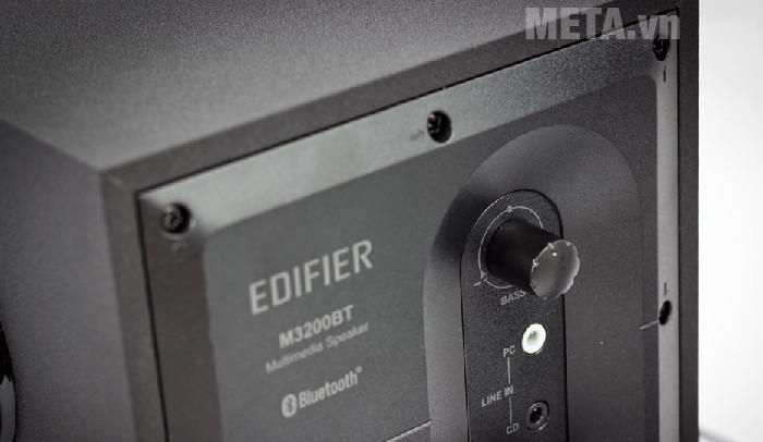 Nút điều khiển âm Bass của loa Edifier M3200BT