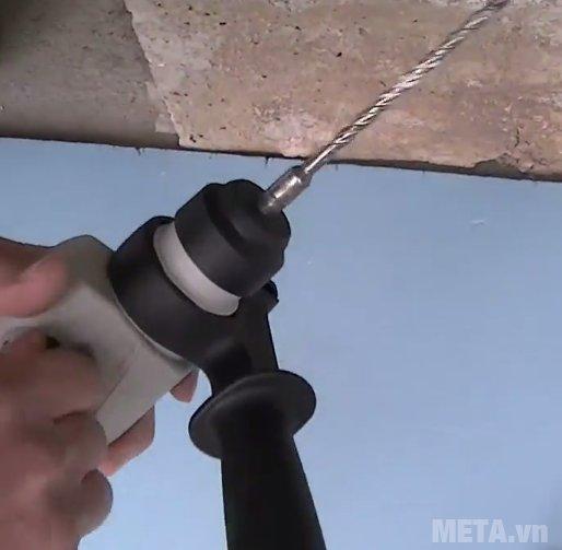Máy khoan búa Hitachi DH22PH thiết kế tay cầm có thể điều chỉnh ở nhiều hướng khác nhau