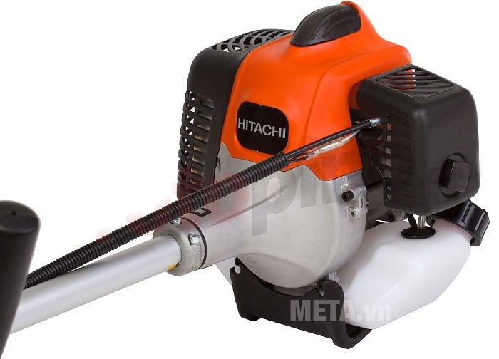 Máy cắt cỏ chạy xăng Hitachi CG40EAS có in logo Hitachi trên thân máy