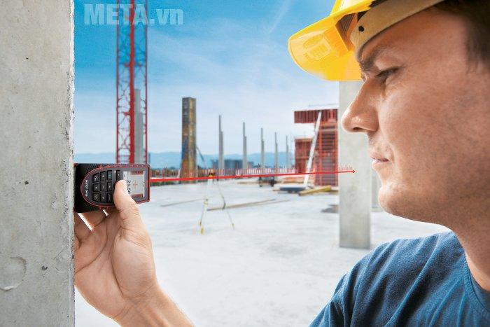 Máy đo khoảng cách laser Leica DISTOD410 có chức năng đo ngang khi gặp chướng ngại vật.
