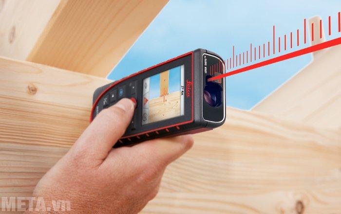 Máy đo khoảng cách laser Leica DISTOD410 thao tác thực hiện đo đơn giản.
