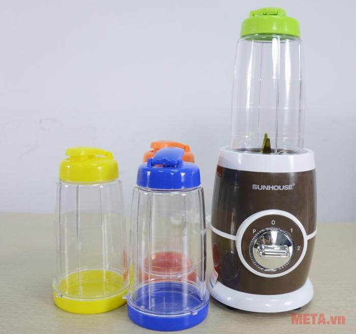 Với cối xay nhỏ bạn có thể sử dụng làm bình uống nước, 2 chức năng trong 1 tiện lợi