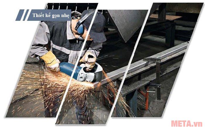 Chỉ cần mua thêm lưỡi cắt và lắp vào máy mài góc Bosch GWS 2000-230 là trở thành máy cắt kim loại hiệu quả