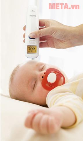 Nhiệt kế điện tử đo trán MC-720 đặc biệt phù hợp với trẻ nhỏ